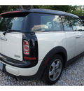 mini cooper clubman 2011 off white hatchback gasoline 4 cylinders front wheel drive automatic 78729