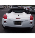 pontiac solstice 2008 white gasoline 4 cylinders rear wheel drive automatic 32086