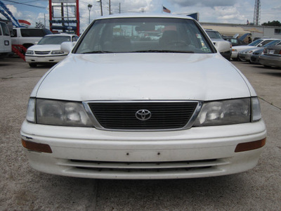 toyota avalon 1996 white sedan xls gasoline 6 cylinders front wheel drive automatic 77379