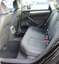 volkswagen passat 2012 black sedan se pzev gasoline 5 cylinders front wheel drive 6 speed automatic 46410
