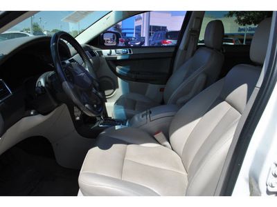 chrysler pacifica 2007 white wagon touring gasoline 6 cylinders front wheel drive shiftable automatic 78233
