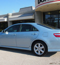 toyota camry 2009 light blue sedan se gasoline 4 cylinders front wheel drive automatic 76011