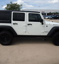 jeep wrangler unlimited 2008 white suv rubicon gasoline 6 cylinders 4 wheel drive automatic 77802