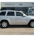 jeep grand cherokee 2008 silver suv overland gasoline 8 cylinders 4 wheel drive automatic with overdrive 77074