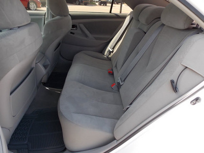 toyota camry 2009 silver sedan le v6 gasoline 6 cylinders front wheel drive automatic with overdrive 77074