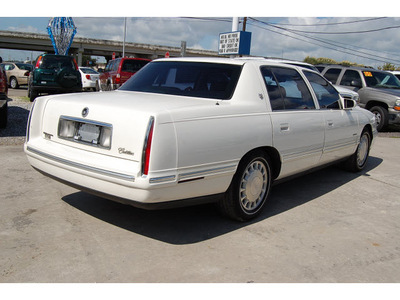 cadillac deville 1998 white sedan gasoline v8 front wheel drive automatic with overdrive 77627