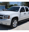 chevrolet avalanche 2007 white suv ls flex fuel 8 cylinders 4 wheel drive automatic 78501