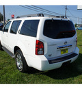nissan pathfinder 2009 white suv se gasoline 6 cylinders 4 wheel drive automatic with overdrive 07724