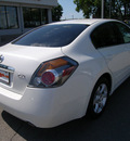 nissan altima 2009 white sedan 4dr sdn i4 2 5s cvt gasoline 4 cylinders front wheel drive automatic 46219