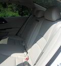 honda accord 2013 white sedan ex l gasoline 4 cylinders front wheel drive automatic 75606