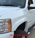 chevrolet silverado 1500 2008 white lt2 8 cylinders automatic 76051