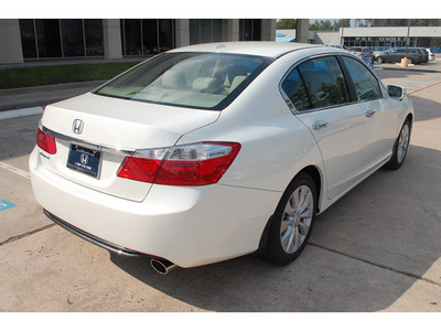 honda accord 2013 white sedan ex l 4 cylinders automatic 77339