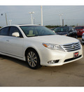 toyota avalon 2012 white sedan limited gasoline 6 cylinders front wheel drive automatic 77469