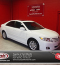 toyota camry 2011 white sedan xle gasoline 4 cylinders front wheel drive automatic 76116