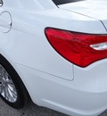 chrysler 200 2011 white sedan limited flex fuel 6 cylinders front wheel drive shiftable automatic 77388