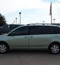 toyota sienna 2006 lt  green van ce 8 passenger 6 cylinders automatic 76018