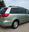 toyota sienna 2006 lt  green van ce 8 passenger 6 cylinders automatic 76018