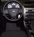 ford focus 2010 white sedan se 4 cylinders automatic with overdrive 76108