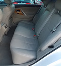 toyota camry 2007 white sedan xle v6 6 cylinders automatic with overdrive 77074