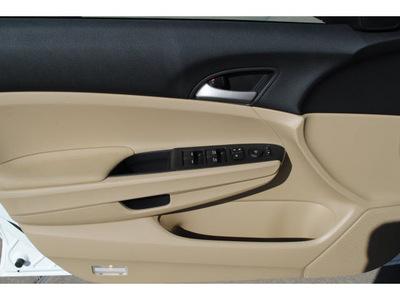 honda accord 2012 white sedan se 4 cylinders 5 speed automatic 77025