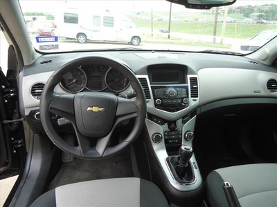 chevrolet cruze 2011 black sedan ls gasoline 4 cylinders front wheel drive 6 speed manual 76108