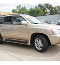 toyota highlander 2004 gold suv gasoline 6 cylinders all whee drive automatic 77515
