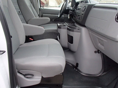 ford e series cargo 2011 white van e 250 8 cylinders automatic with overdrive 99352