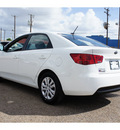 kia forte 2013 white sedan lx gasoline 4 cylinders front wheel drive automatic 78550