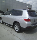 toyota highlander 2013 silver suv plus gasoline 4 cylinders front wheel drive automatic 75569