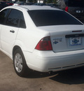 ford focus 2007 white sedan gasoline 4 cylinders front wheel drive automatic 77338