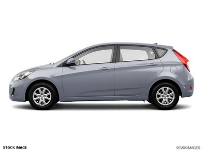 hyundai accent 2013 hatchback black gasoline 4 cylinders front wheel drive not specified 76210