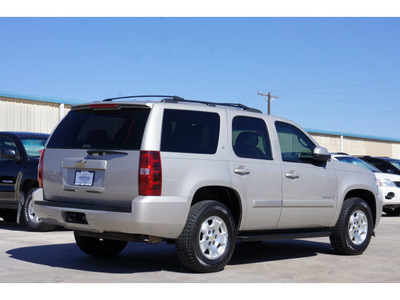 chevrolet tahoe 2007 silver suv lt flex fuel 8 cylinders rear wheel drive automatic 79110