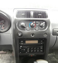 nissan frontier 2002 black xe 6 cylinders automatic 32447