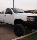 gmc sierra 2500hd 2009 white work truck 8 cylinders automatic 78064