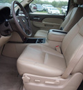 chevrolet tahoe 2012 gold suv lt 8 cylinders automatic 78064
