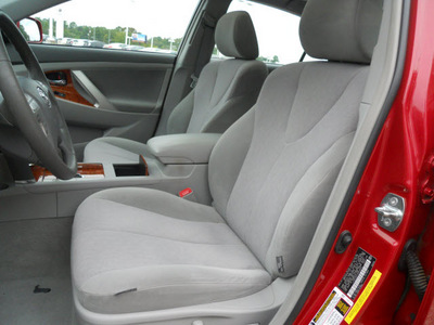 toyota camry 2010 red sedan xle 4 cylinders automatic 75604