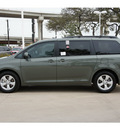 toyota sienna 2013 green van le 8 passenger gasoline 6 cylinders front wheel drive automatic 78232