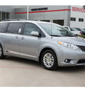 toyota sienna 2013 silver van xle 8 passenger gasoline 6 cylinders front wheel drive automatic 78232