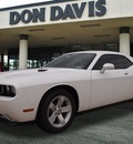 dodge challenger 2013 white coupe sxt flex fuel 6 cylinders rear wheel drive automatic 76011