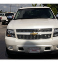 chevrolet avalanche 2010 white suv ltz 8 cylinders automatic 77074