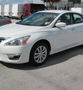 nissan altima 2013 white sedan s gasoline 4 cylinders front wheel drive automatic 33884