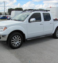 nissan frontier 2012 white sl gasoline 6 cylinders 4 wheel drive automatic 33884