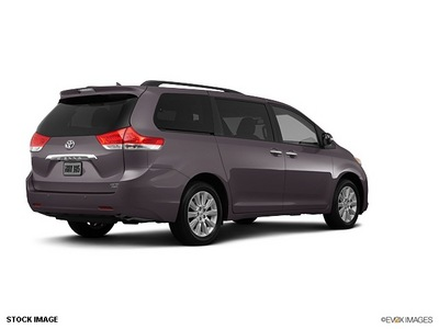 toyota sienna 2013 van gasoline 6 cylinders front wheel drive not specified 91731