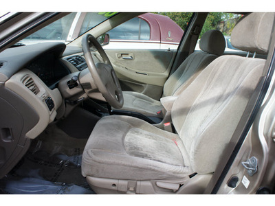 honda accord 2000 gold sedan ex 4 cylinders automatic 77018