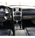 chrysler 300 2005 silver sedan 6 cylinders automatic 77018