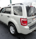 ford escape 2008 lt  green suv xlt gasoline 4 cylinders front wheel drive automatic 60443