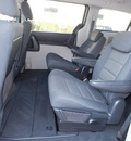 dodge grand caravan 2009 silver van sxt gasoline 6 cylinders front wheel drive automatic with overdrive 77074