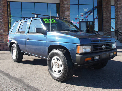 nissan pathfinder 1995 blue suv v6 5 speed manual 80229