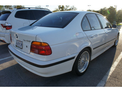 bmw 5 series 1999 white sedan 528i 6 cylinders automatic 78729