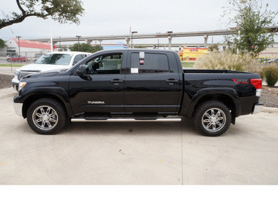 toyota tundra 2013 black tss off road gasoline 8 cylinders 4 wheel drive automatic 78232